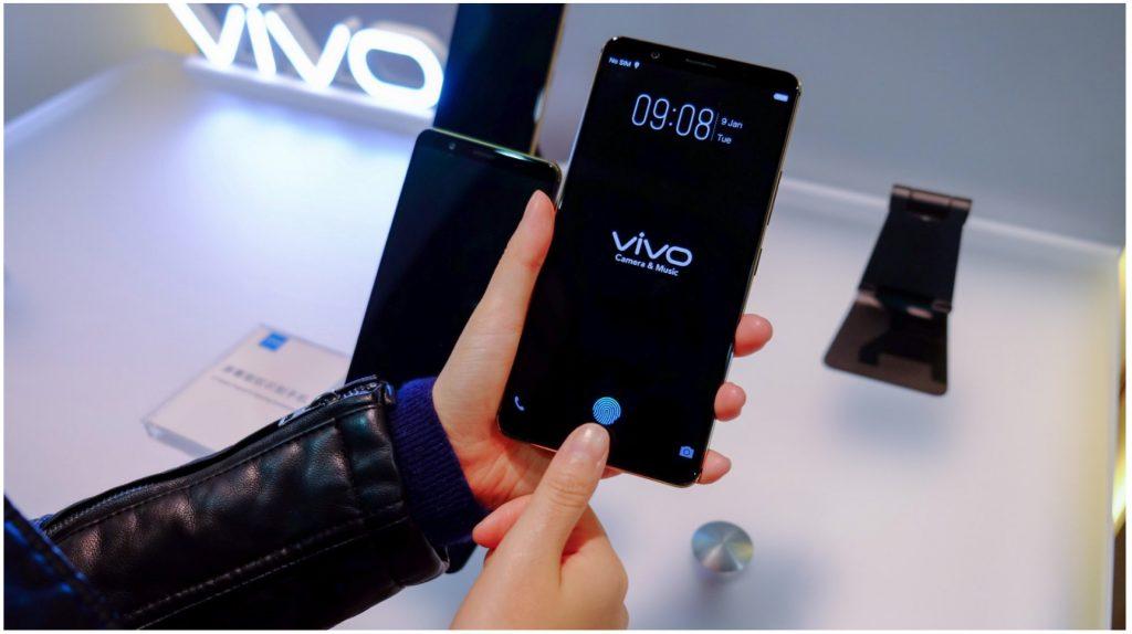 Marques Brownlee explica cómo funciona el sensor de huella dactilar bajo la pantalla