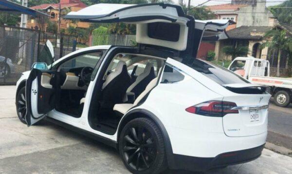 Noticias recientes sobre Tesla y la movilidad eléctrica